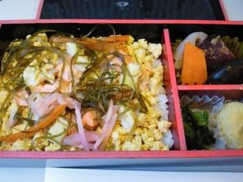 130602 ソウル-羽田機内食.jpg