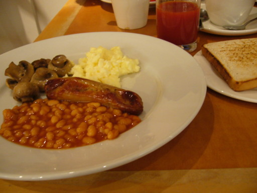 small holiday inn heathrow breakfast.JPG